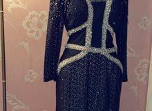 فستان سهرة اسود مرصع