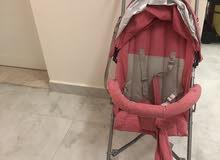 عربة اطفال استعمال خفيف ( بحالة جيده جداً)
