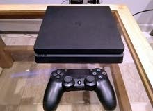Playstation 4 slim 500gb 1controller,3 games used for 2 months