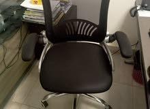 اثاث مكتبي جديد أو كرسي