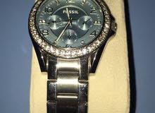 ساعة نسائية ماركة fossil الاصلية مستعملة للبيع
