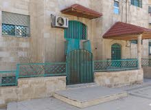 شقة طابق أرضي للإيجار كعيادة دكتور مساحة 125م