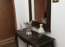شقه  مفروشه للايجار في الهاشمي الشمالي حي الزغاتيت طايق ثاني غرفتين وصاله ومطبخ