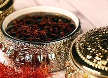 ميز فرحة العيد بالحلوى العمانية اللذيذة