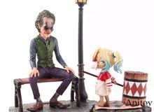 مجسم الجوكر مع هارلي كوين