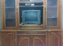 معرض مع التلفاز والستلايت للبيع مستعجل