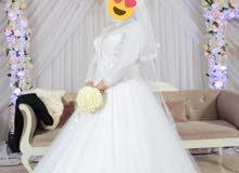 فستان زفاف من دبي