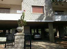 شقة مفروشة 200م للايجار تقع في قلب قرية ضهر الصوان