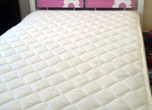 pink and white bed