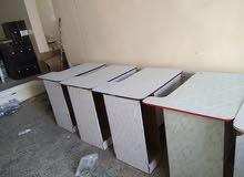 طاولات كمبيوتر
