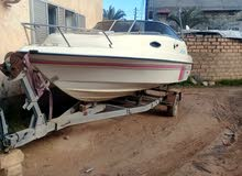 قارب متوسط