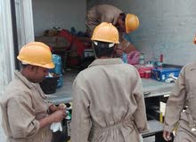 عمال  نظافه وفنيين شركه التشغيل  الوطنى لتشغيل والصيانه