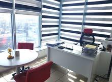 مكتب باطلالة مميزة مع اصدار رخصة مهن