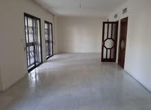 شقة شبه جديدة للاجار 1200$ شهريا سليم سلام قرب الشارع العام مساحة200متر