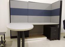 للبيع عدد 4 مكاتب وورك ستاشن بحاله جيده. 0556239110