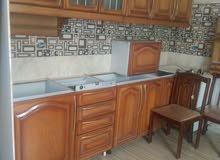 مطبخ خشب بلوط صولد كبير بحالة ممتازة للبيع بسعر مغري