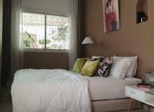 للبيع شقة فخمة في الدارالبيضاء منطقة المستشفيات مع مصعد وكراج
