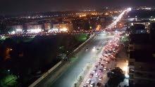 شقة بمدينة نصر مميزة بفيو مفتوح مكان حيوي جدا وغير مجروحة