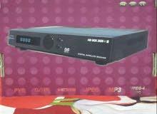 جهاز ستلايت HD BOX 2020 الاصلي فول اج دي ابو الكارت والفلاش نظيف جدا مع ملحقاته