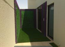 تنسيق حدائق واسطح واستراحات وتركيب العشب الصناعي والطبيعي