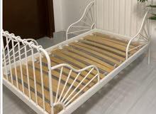 سرير ايكيا عدد 2 شبه جديد