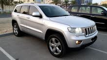 Jeep Grand Cherokee Overland 2011 (Silver)