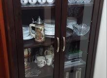 Crockery shelf