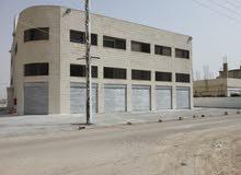 مجمع تجاري للأيجار  في منطقة الرقيم مقابل مركز امن سحاب الجديد