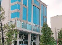 مكتب - مكاتب فاخرة للإيجار في شارع الجامعة