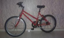دراجة هوائية جميلة ورائعة جدا بحالة جيدة