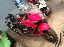 للبيع دراجة نارية2012 شبة جديدة
