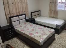 نجار على استعداد تفصيل غرف نوم والمطابخ وخزائن الحائط .........
