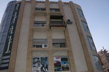 استديوهات مفروشة فاخره جديدة للبيع خلف الجامعة الاردنية