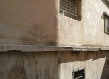 بنايه في جبل الحسين ظهر الطهطور  للبيع