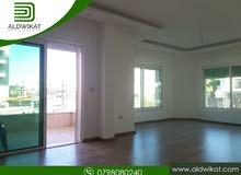 شقة مميزة للايجار في خلدا الهمشري مساحة البناء 190 م
