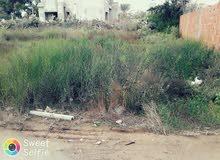 ارض سكنية بقمرت تونس قريبة للبحر قمرت من معتمدية المرسى ولاية تونس مسجلة بالملكية