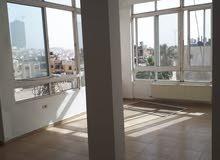 شقة فارغة للايجار السابع شارع المدينة المنورة 2نوم صالون 265 للعرسان فقط