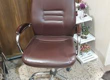 ميز مكتبه مع كرسي جلد دوار  السعر 180 الف
