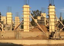 خدمات شاملة كاملة في البناء والمقاولات - عمال بناء وزواقين وملعاقة و نجارة وحدادة وأرضيات
