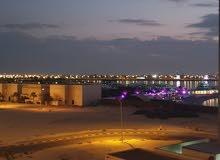 للبيع شقة سكنية تجارية في جزيرة أمواج مرينا اطلالة بحرية