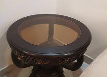 3 طاولات بحالة ممتازة للبيع و خشب ثقيل