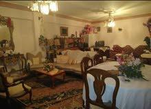 شقة للبيع فى مكان متميز وسط بين المنشية ومحطة مصر تقع امام مسجد ابى الدرداء