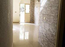 شقة (غرفة نوم، حمام و صالون و مطبخ) للايجار في جبل الزهور