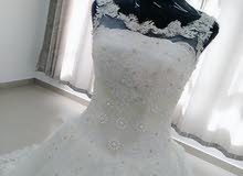 فستان زفاف ملكي للبيع
