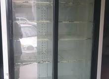 ثلاجه  عرض  كبير بابين.  البيع  سعر 300 الف ريال يمني