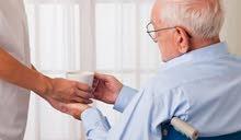 انا جليس مسن خبرة واجيد الطهي والرعاية مقيم او غير مقيم يومية او شهري