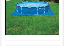 مسبح عائلي مع فلتر 5 متر ونصف شبه جديد مستعمل شهر