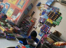 محل مواد غذائية للبيع ولاية بركاء ع الشارع في منطقة حيويه بالسكان
