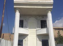 دأر سكن في حي الاعلام المساحه 100 متر مربع واجهه 5 م نزال 20 م وتشجير 60 م