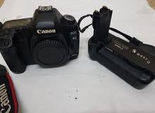 canon 5D ii  mark 2  full fream  professional camra body  weth battry greep